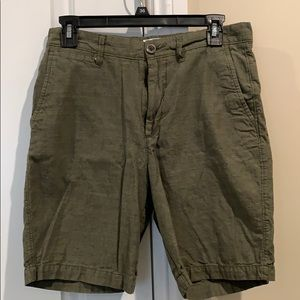 Boys/young men's olive shorts
